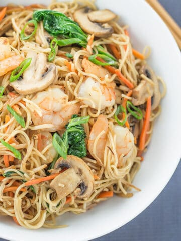 Easy Stir Fried Chinese Noodles with Shrimp