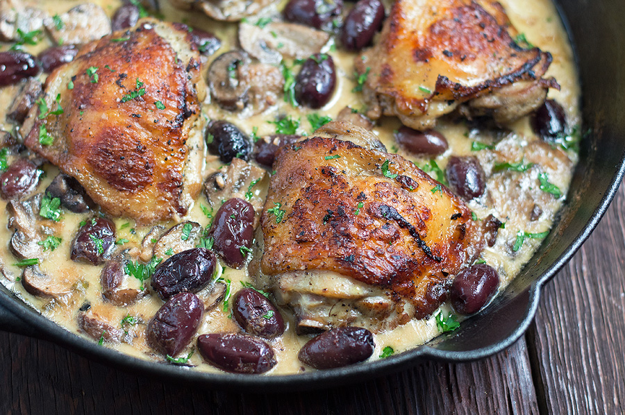 roasted chicken with white wine mushroom cream sauce with kalamata olives