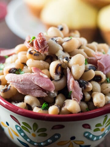 Closeup of the Southern Spicy and Smoky Souther Black Eyed Peas served to the table