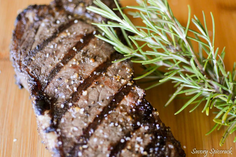 red wine rosemary steaks